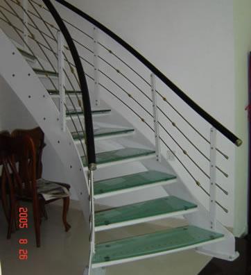 简述钢木楼梯的设计意图